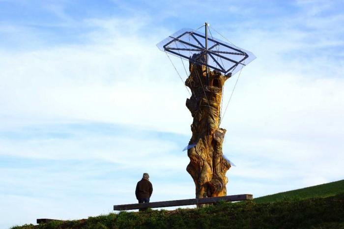 das Dach - Baum der Erkenntnis, Herbst 2012, thomas rees im Herbst 2012