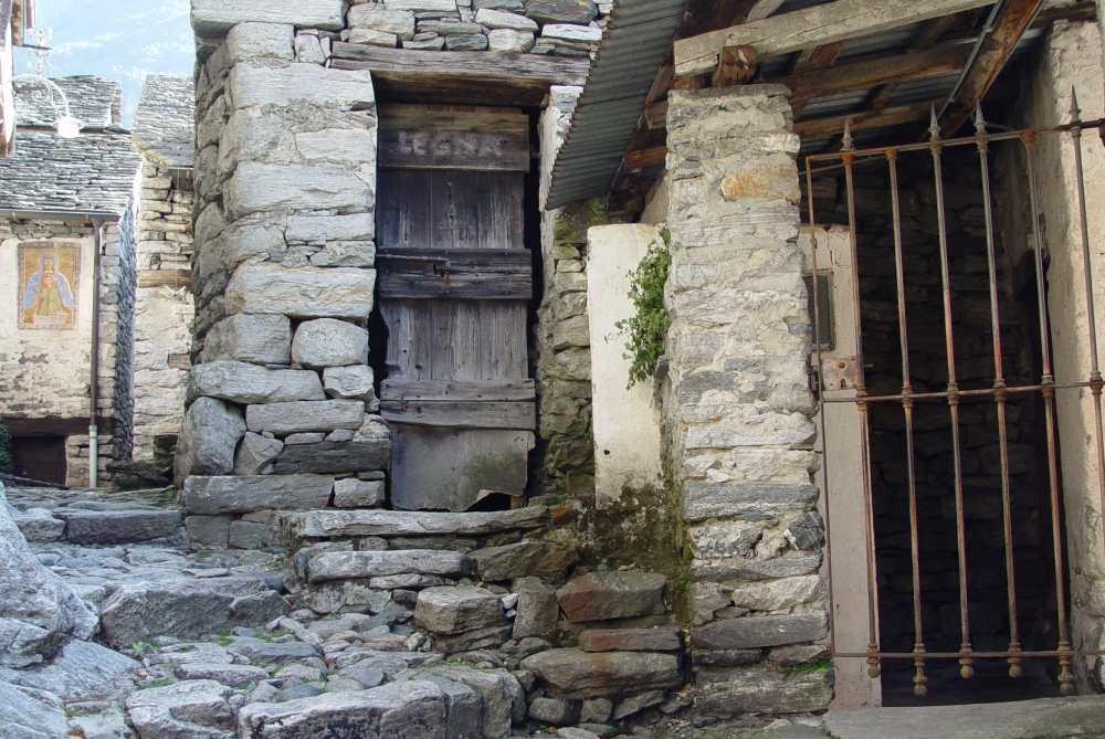 Corippo, aus Stein gebaut, Tessin Thomas Rees