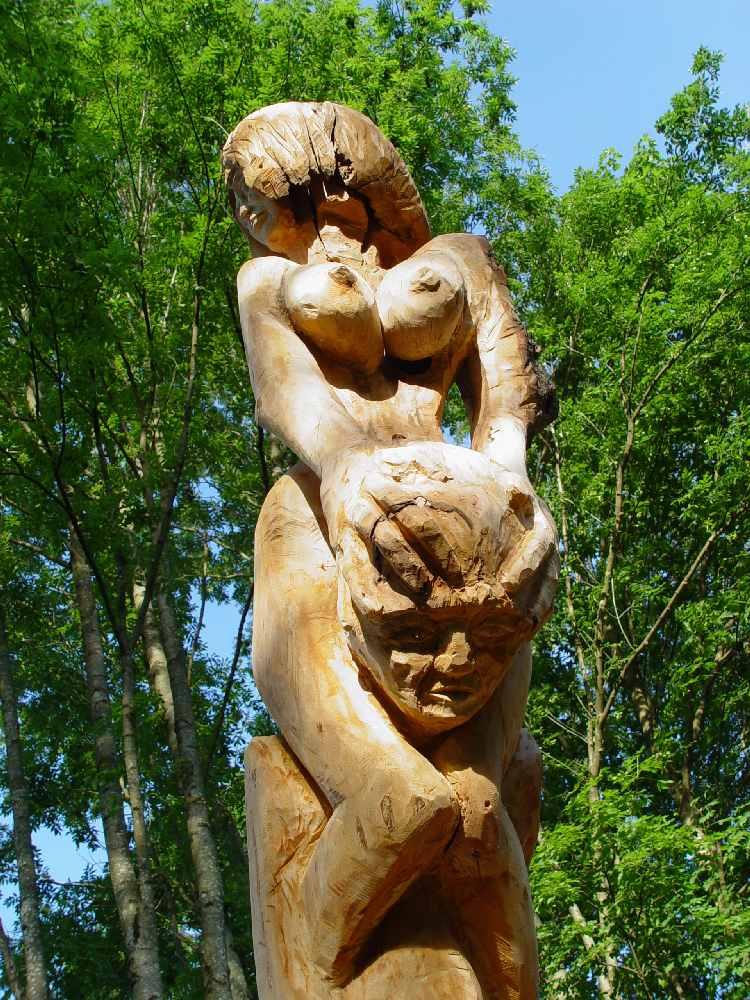 die Last mit der Frau, Skulpturenwiese, Freiburg-Kappel, thomas rees
